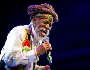 Culture: Bunny Wailer, une légende du reggae et ancien coéquipier de Bob Marley s'est éteint à 73 ans