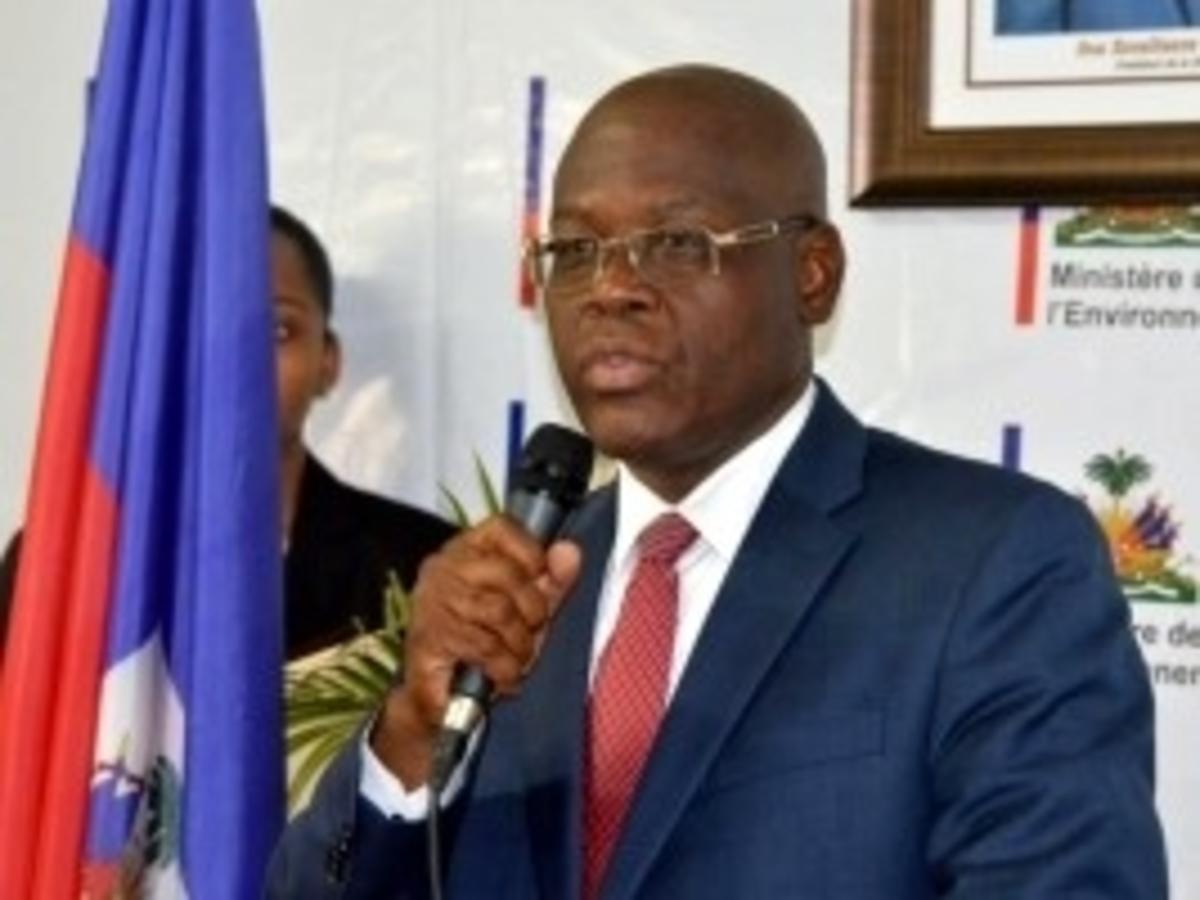 Haïti-Politique: Réflexions sur les raisons de la démission/révocation de Joseph Jouthe